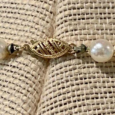 LOT 37. PEARL NECKLACE & PEARL STUD EARRINGS 14K GOLD POSTS & CLASP