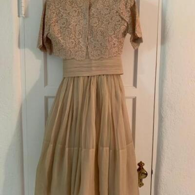 LOT 38 VINTAGE Tan dress