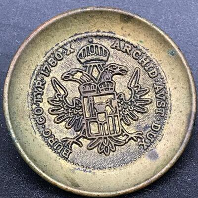 "Le Chic ""Burg Co Tyr 1780 X Archid Avst Dux"