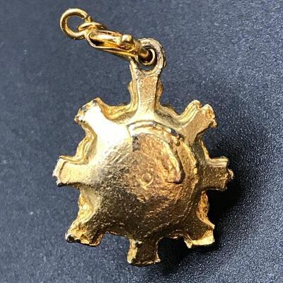 Small Goldtone Pendant