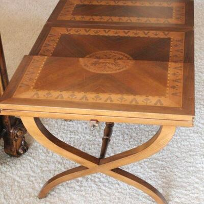 Lot 23 Wood Inlay Expanding Coffee Table