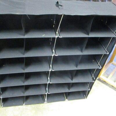Lot 19 - 24 Slot Fabric Organizer