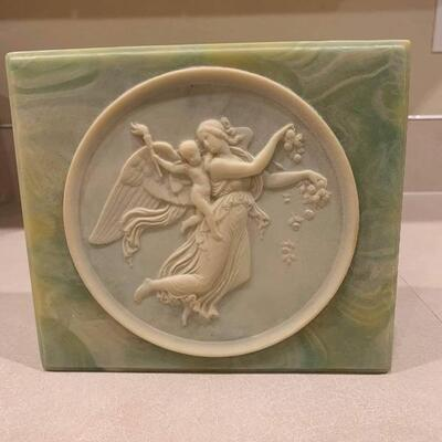 Incolay green/white stone jewelry box made in the USA