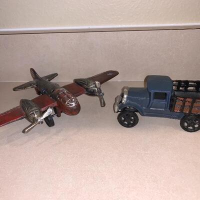 Vintage cast iron vehicle set