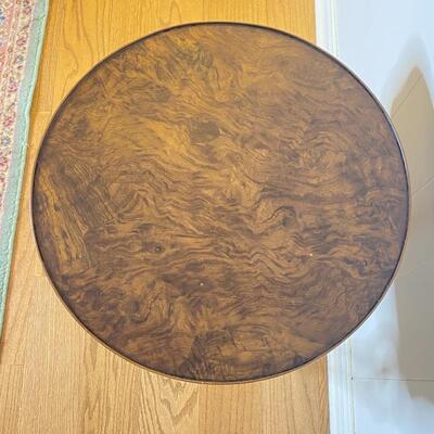 Wood Swan Leg Round Table