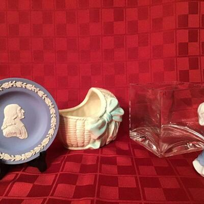 DR#25 - Blue plate, baby basket, candle holders