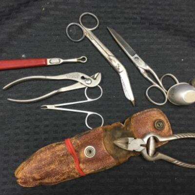 Lot of Misc vintage household tools, person grooming plus  a thimble