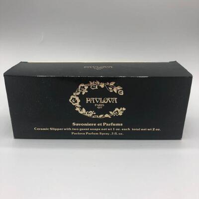 Vintage Pavlova Paris 1922 Parfum Guest Soaps Ballet Slipper Boxed YD#001-1120-00046