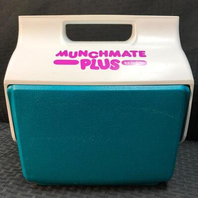 Igloo® Munchmate Plus Rotating Lid Mini Cooler