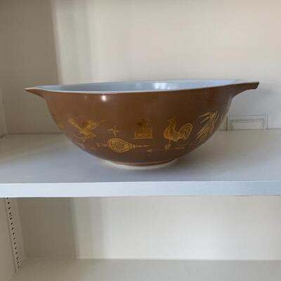 Large Pyrex Bowl