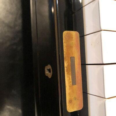 L59: Yamaha Player Piano