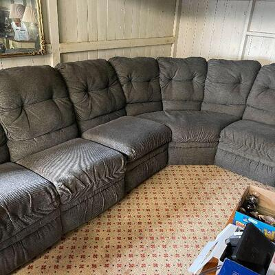 L82: Grey Sectional Couch