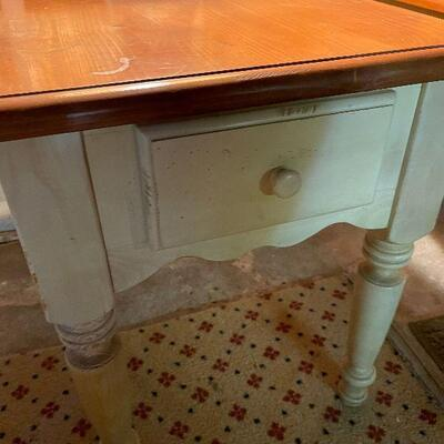 L86: Two Cream and Maple End Tables
