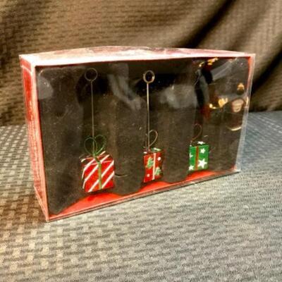 Box of 3 St. Nicholas Square® Holiday Photo Holders NIB