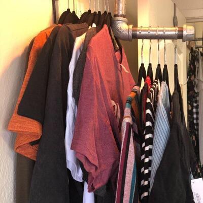 Lot 19 NWT Medium Boutique Clothing - 12 Pcs.