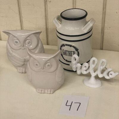 Lot 47 Set of Owls, Gather Kitchen Utensil, Hello Stand