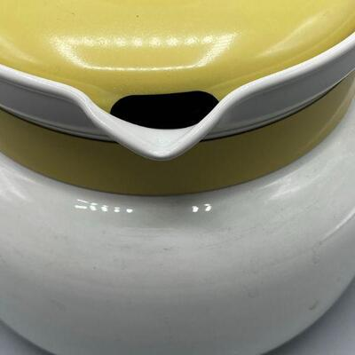 Retro Corning Ware Pale Yellow & White 8 Cup Tea Kettle YD#011-1120-00236