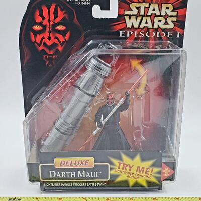 STAR WARS DELUXE DARTH MAUL LIGHT SABER