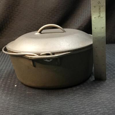 "10"" Cast Iron Dutch Oven #2"