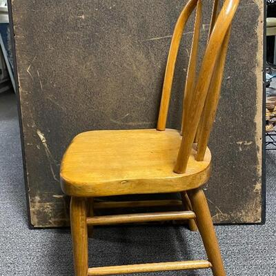 Small Wood Child's Chair YD#012-1120-00018