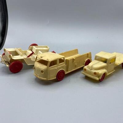 Set of 3 Vintage Plastic Toy Cars *One Missing Wheel*