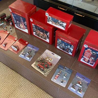 Nice lot of Christmas decor items