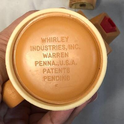 Lot 15 - Whirley Moo-Cow Plastic Creamer