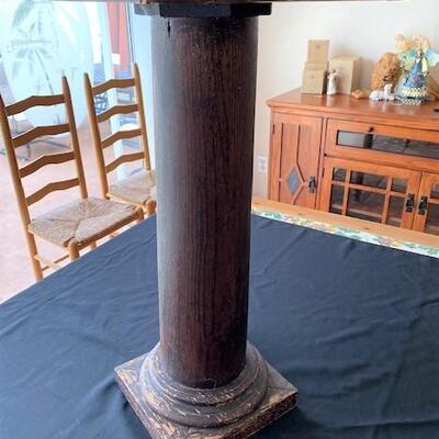 LOT#11LR: Antique Oak Pedestal