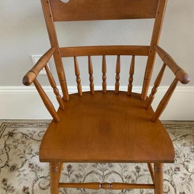 Solid arm Maple Side Chair