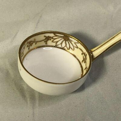 Lot 19 - Hand Painted Nippon Bowl and Spoon Daisies