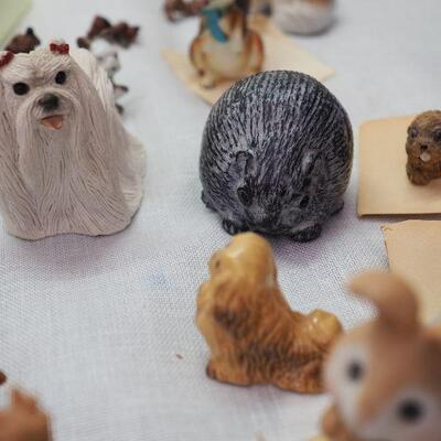Lot 1 Animal collectibles Vintage Hagen Remaker Approx 70+