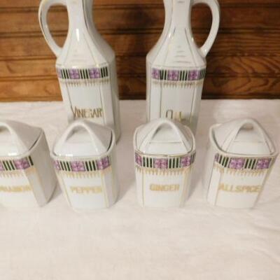 Vintage Ceramic Oil and Spice Set