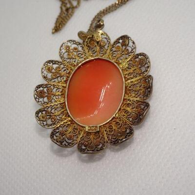 Gold Tone Filigree Cameo Pendant Necklace