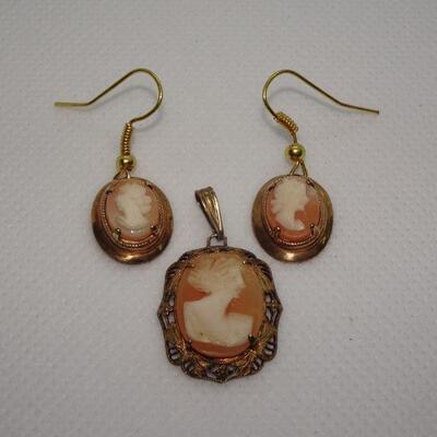 Victorian Gold Tone Shell Cameo Pendant & Earrings