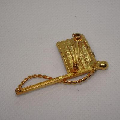 Rhinestone Flag Brooch, Old Glory Gold Tone Rhinestone Brooch, Patriotic Jewelry