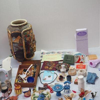 Lot 7 Glass Animals, Mini collectibles ceramic, broken but beautiful Asain vase, Jewelry