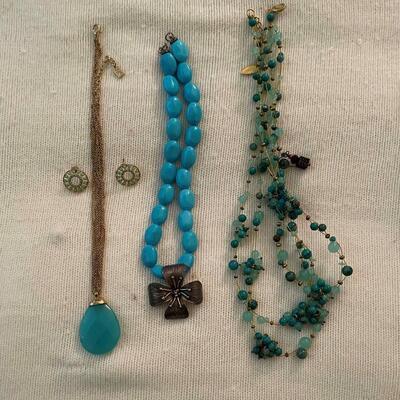 Costume Jewelry Lot 23