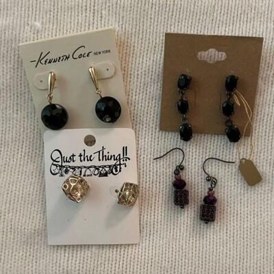 Costume Jewelry Lot 24