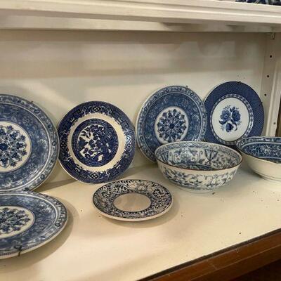 Vintage Blue & White Porcelain Dishes & Bowls