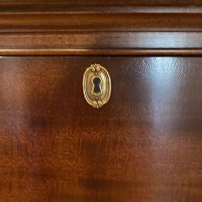 Henredon Bow-Front Chest of 3 Drawers