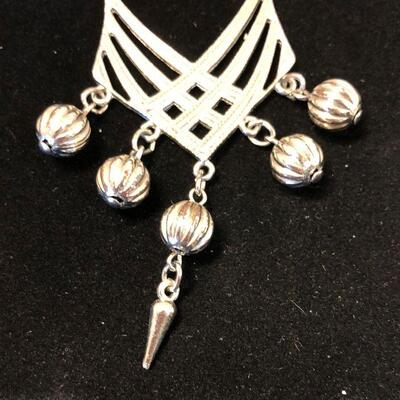 Lot 30 - Silver Tone Statement Necklace