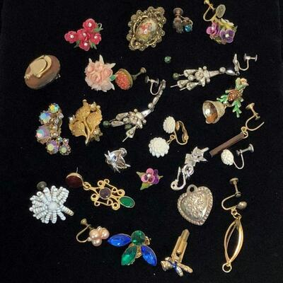 Lot 32 - Collection of Pieces (Great for Crafts)