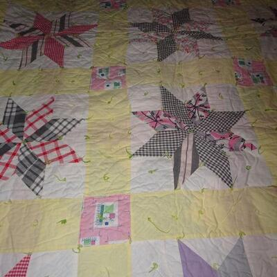 Vintage Handmade Yellow Boarder Quilt - 67