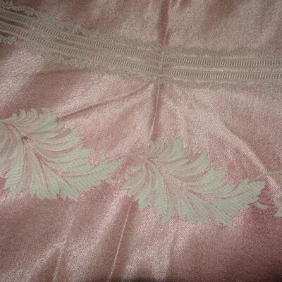 Pink Leaf Pattern Table Cloth - Beautiful! Commercial Tablecloth