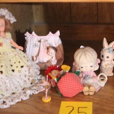 Lot 25 Dolls and Ceramic Collectibles
