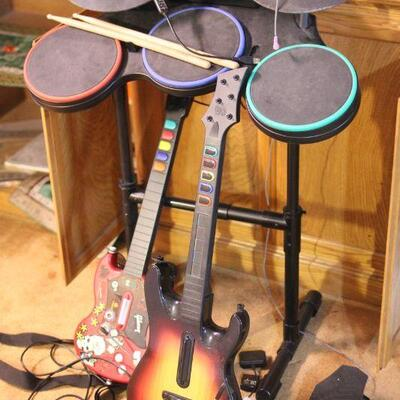 Lot 29 Guitar Hero II PlayStation2 w/ Guitar & Drums