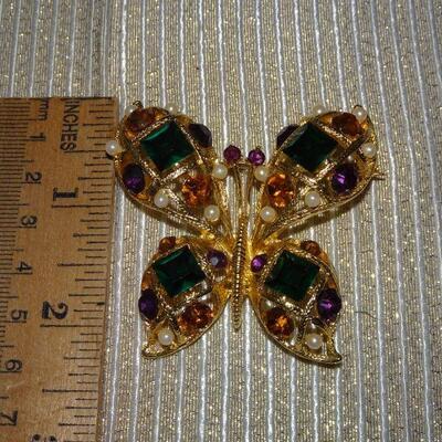 Gold Tone Rhinestone & Pearl Butterfly Brooch