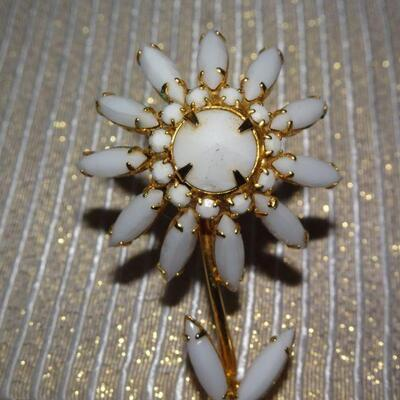 White Milk Glass Gold Tone Flower Brooch