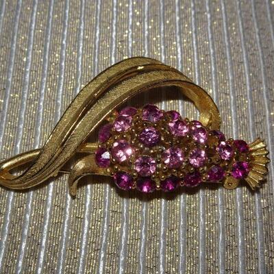 Gold Tone Purple Thistle Flower Brooch