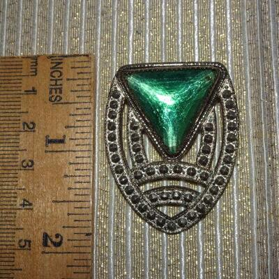 Art Deco Style Emerald Green Brooch